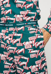 Tommy Hilfiger - LOGO WOVEN SET - Pyjama - green - 5