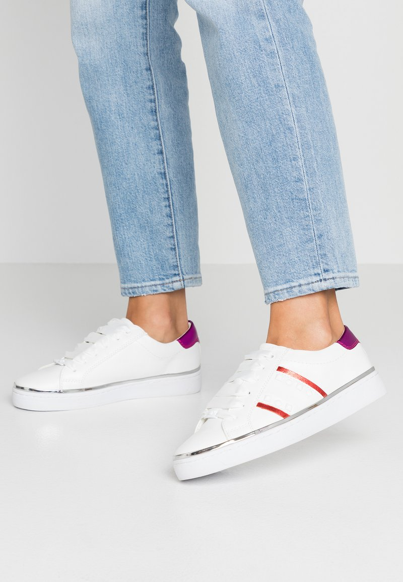 TOM TAILOR - Sneaker low - white/red