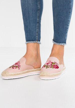 Pantolette flach - rose