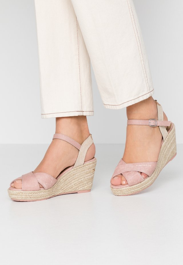 Loafers - rose