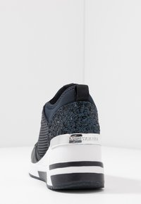 TOM TAILOR - Baskets basses - navy - 5