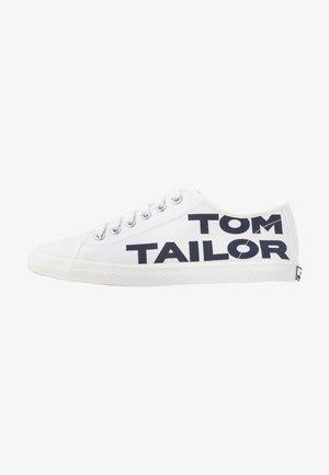 Tenisky - white/navy