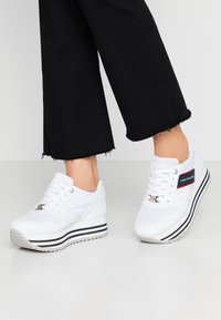 TOM TAILOR - Trainers - white - 0