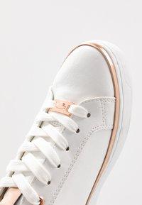 TOM TAILOR - Sneakersy niskie - white - 2