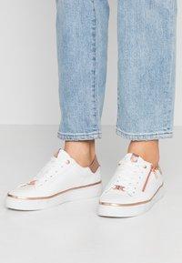 TOM TAILOR - Sneakersy niskie - white - 0