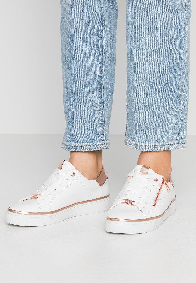 TOM TAILOR - Sneakersy niskie - white