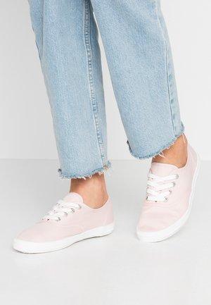 Sneakers laag - brose