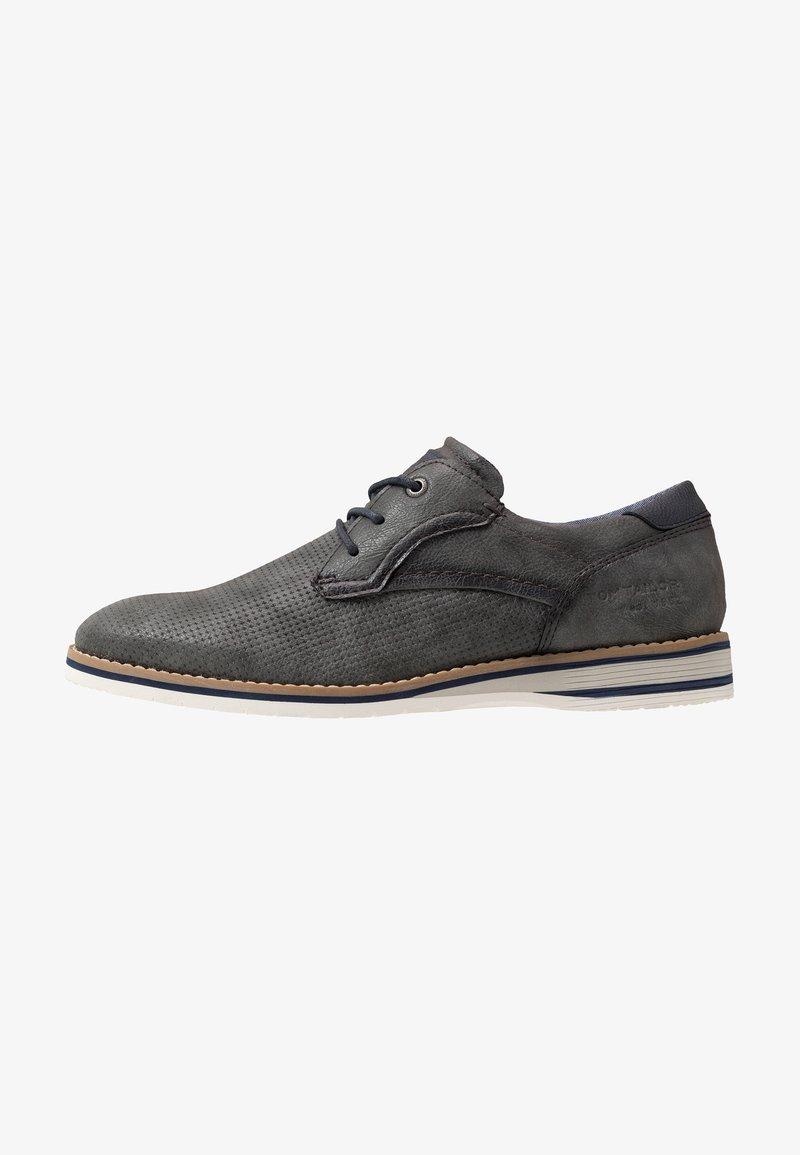 TOM TAILOR - Volnočasové šněrovací boty - stone