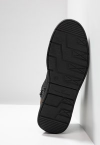 TOM TAILOR - Sneakers hoog - black