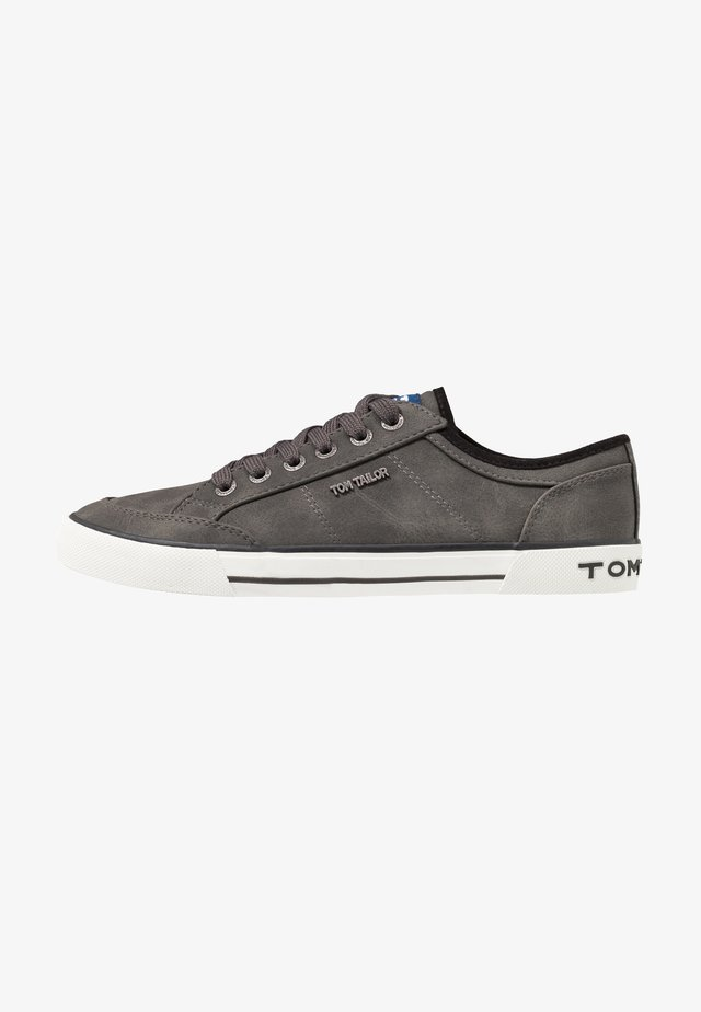 Sneakers laag - coal