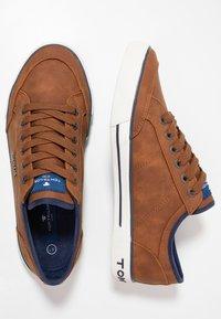 TOM TAILOR - Sneakersy niskie - cognac - 1