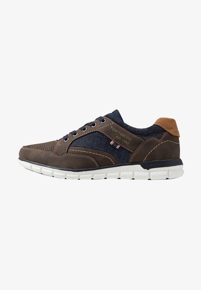 Sneakers - mokka