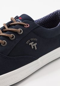 TOM TAILOR - Sneakersy niskie - navy - 5