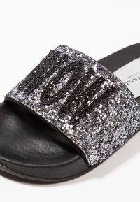 TOM TAILOR - Pantolette flach - silver - 2