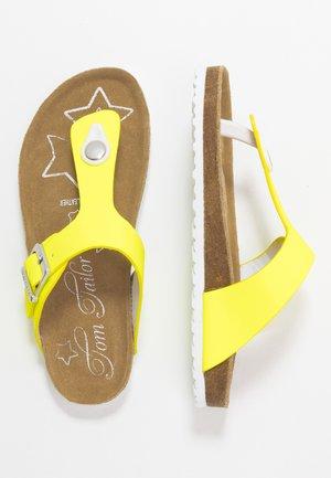Sandaler m/ tåsplit - neon yellow