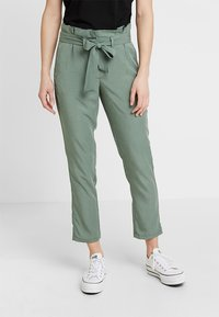 TOM TAILOR - PAPERBAG PANTS ANKLE - Pantalones - pale bark green - 0