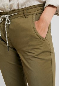TOM TAILOR - Kalhoty - dry greyish olive - 3