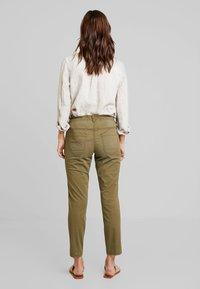 TOM TAILOR - Kalhoty - dry greyish olive - 2