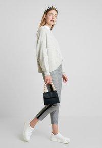 TOM TAILOR - MIA SLIM - Spodnie materiałowe - black/white - 1
