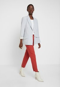 TOM TAILOR - MIA  - Pantalon classique - dry red - 1