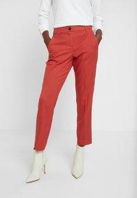 TOM TAILOR - MIA  - Pantalon classique - dry red - 0