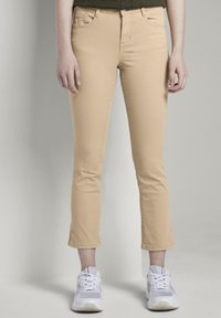 TOM TAILOR - TOM TAILOR ALEXA CROPPED - Jeans slim fit - cream toffee - 0