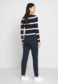 TOM TAILOR - SPORTIVE LOOSE FIT PANTS - Joggebukse - sky captain blue - 2