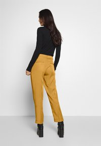 mine to five TOM TAILOR - PANTS  - Tygbyxor - clay beige brown - 2