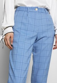 mine to five TOM TAILOR - MODERN GLENCHECK - Chinos - blue - 4