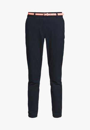 BELTED SLIM - Pantalones chinos - sky captain blue