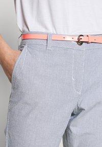 TOM TAILOR - BELTED SLIM - Chino kalhoty - blue - 5