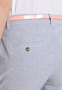 TOM TAILOR - BELTED SLIM - Chino kalhoty - blue - 3