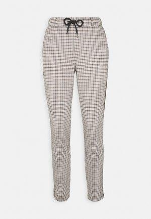 CHECKED PANTS - Pantalones - camel
