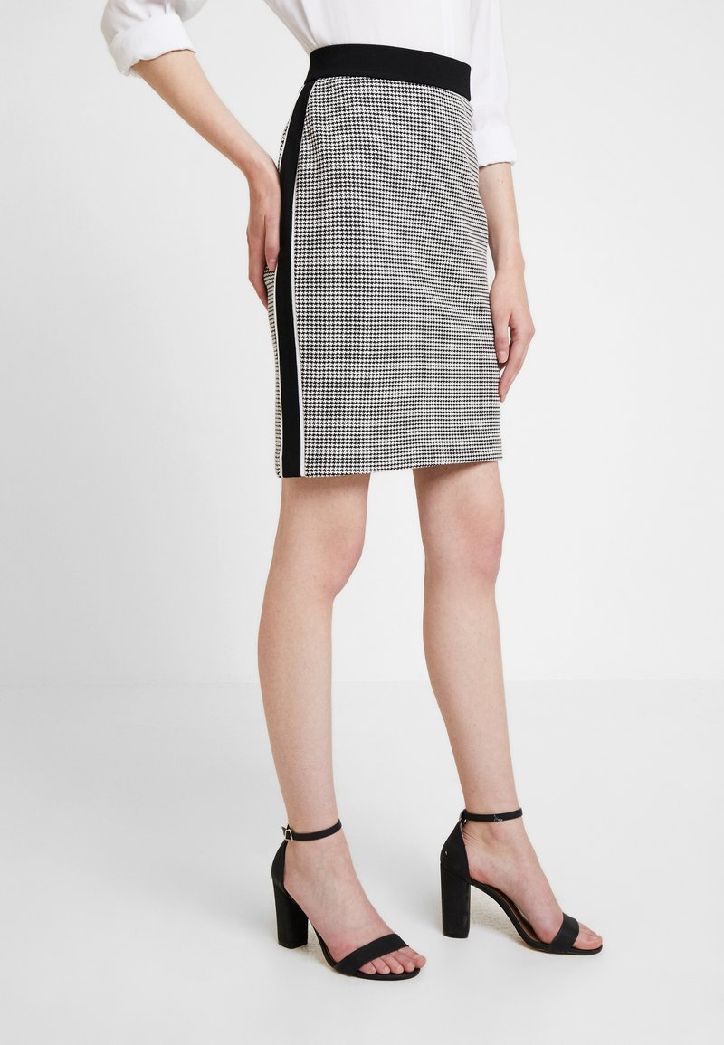 TOM TAILOR - SKIRT STRUCTURE - Pencil skirt - black