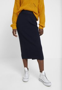 TOM TAILOR - SKIRT - Pencil skirt - sky captain blue - 0