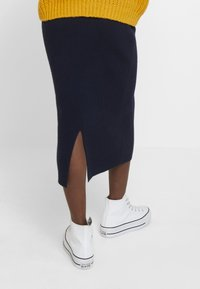 TOM TAILOR - SKIRT - Pencil skirt - sky captain blue - 4