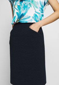 TOM TAILOR - SOLID STRUCTURE - Pencil skirt - sky captain blue - 4
