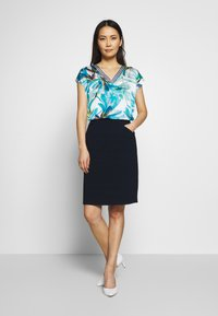 TOM TAILOR - SOLID STRUCTURE - Pencil skirt - sky captain blue - 1