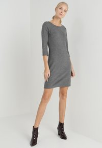 TOM TAILOR - MY COSY CASUAL DRESS - Etui-jurk - grey melange - 1