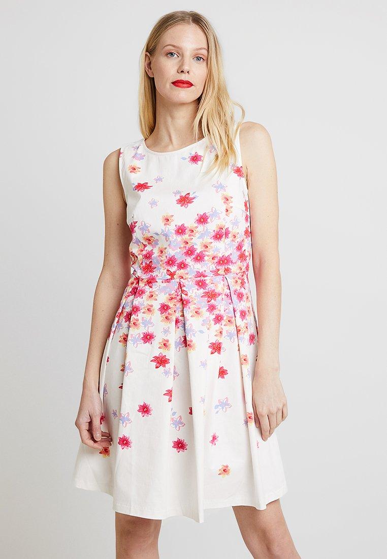TOM TAILOR - DEGRADE FLOWER DRESS - Freizeitkleid - whisper white