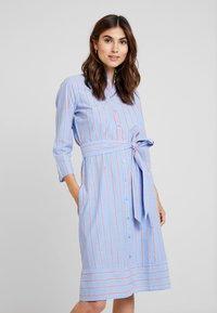 TOM TAILOR - DRESS WITH STRIPES - Blousejurk - blue/orange - 0