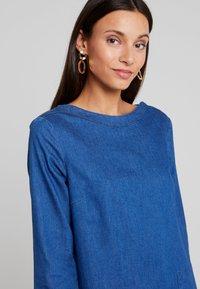 TOM TAILOR - CASUAL DRESS - Spijkerjurk - dark stone wash blue - 4