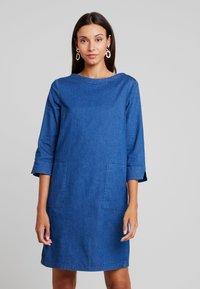 TOM TAILOR - CASUAL DRESS - Spijkerjurk - dark stone wash blue - 0
