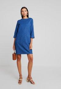 TOM TAILOR - CASUAL DRESS - Spijkerjurk - dark stone wash blue - 2