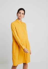 TOM TAILOR - DRESS WITH TURN UPS - Košilové šaty - merigold yellow - 0