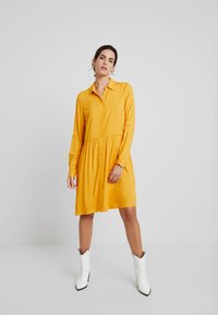 TOM TAILOR - DRESS WITH TURN UPS - Košilové šaty - merigold yellow - 2
