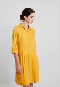 TOM TAILOR - DRESS WITH TURN UPS - Košilové šaty - merigold yellow - 4