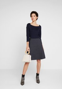 TOM TAILOR - DRESS 2 IN 1 STRUCTURED - Vestito estivo - sky captain blue - 2