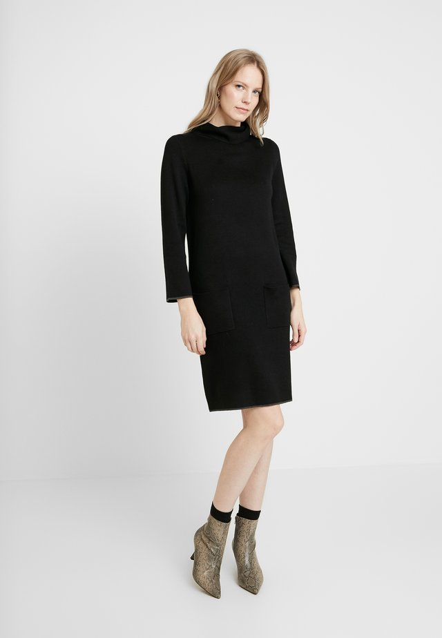 DRESS WITH CONTRAST TIPPINGS - Jumper dress - deep black