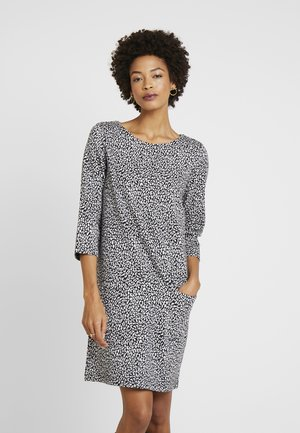 DRESS SHIFT POCKETS LEOPARD - Jumper dress - black/white